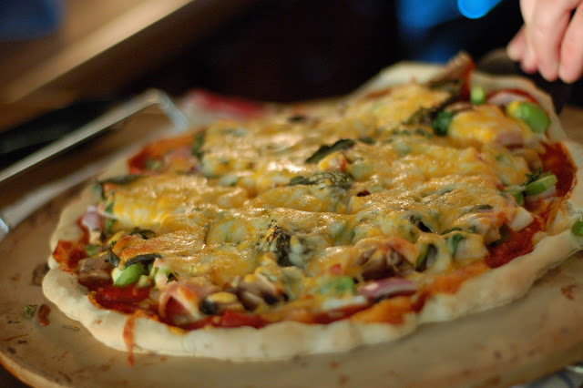 Canadian Bacon, Mushroom and Green Bell Pepper Pizza Sans Gluten, Sans Grain