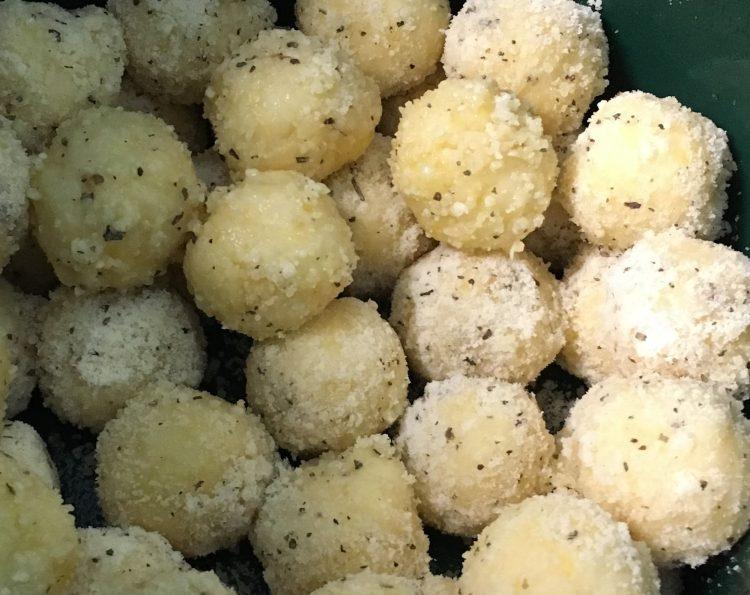 Gluten Free Crockpot Garlic Parmesan Pull-Apart Bread