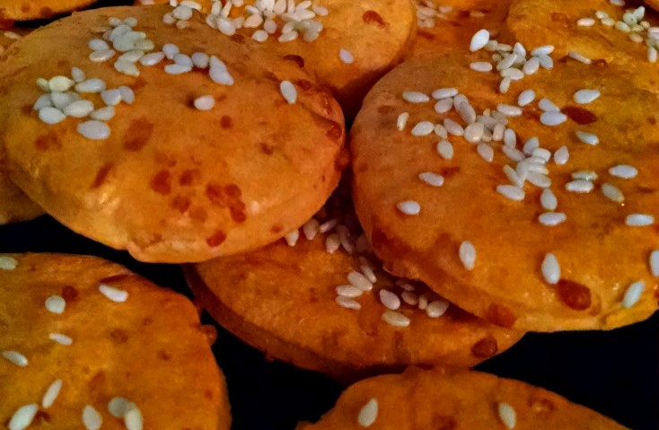 Sun-dried Tomato and Sesame Crackers